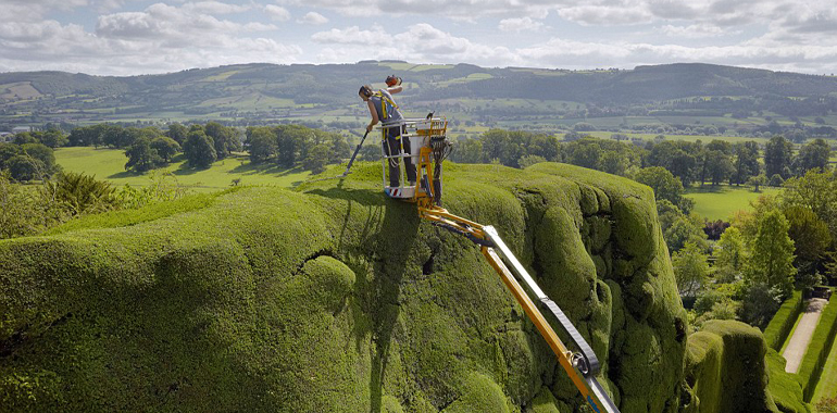 cherry picker hire powis castle