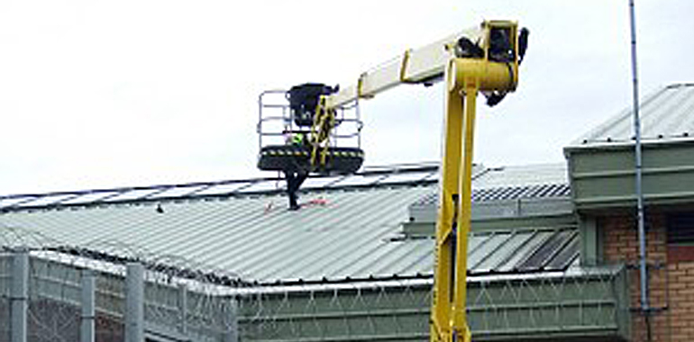 cherry picker hire prison roof